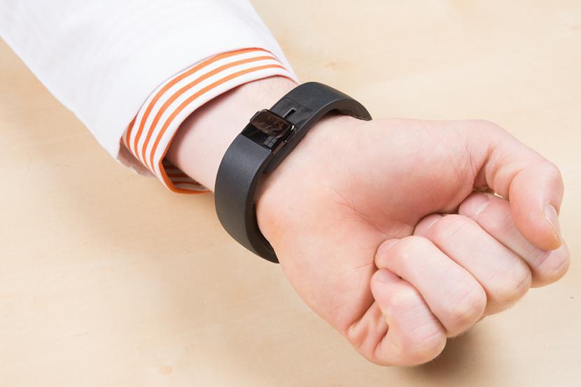 Smartwatch OPPO dibekali Wear OS by Google, bukan ColorOS (Foto: ilustrasi memakai smartwatch)