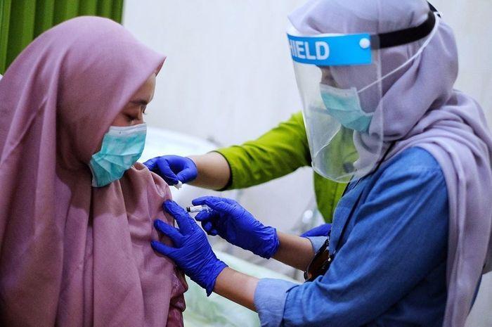 Obat tradisional sepertijamu tidak bisa menggantikan vaksin sebagai pencegah atau pengobatan virus corona (Covid-19).